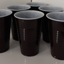 Vending brown/white 9oz cups plastic